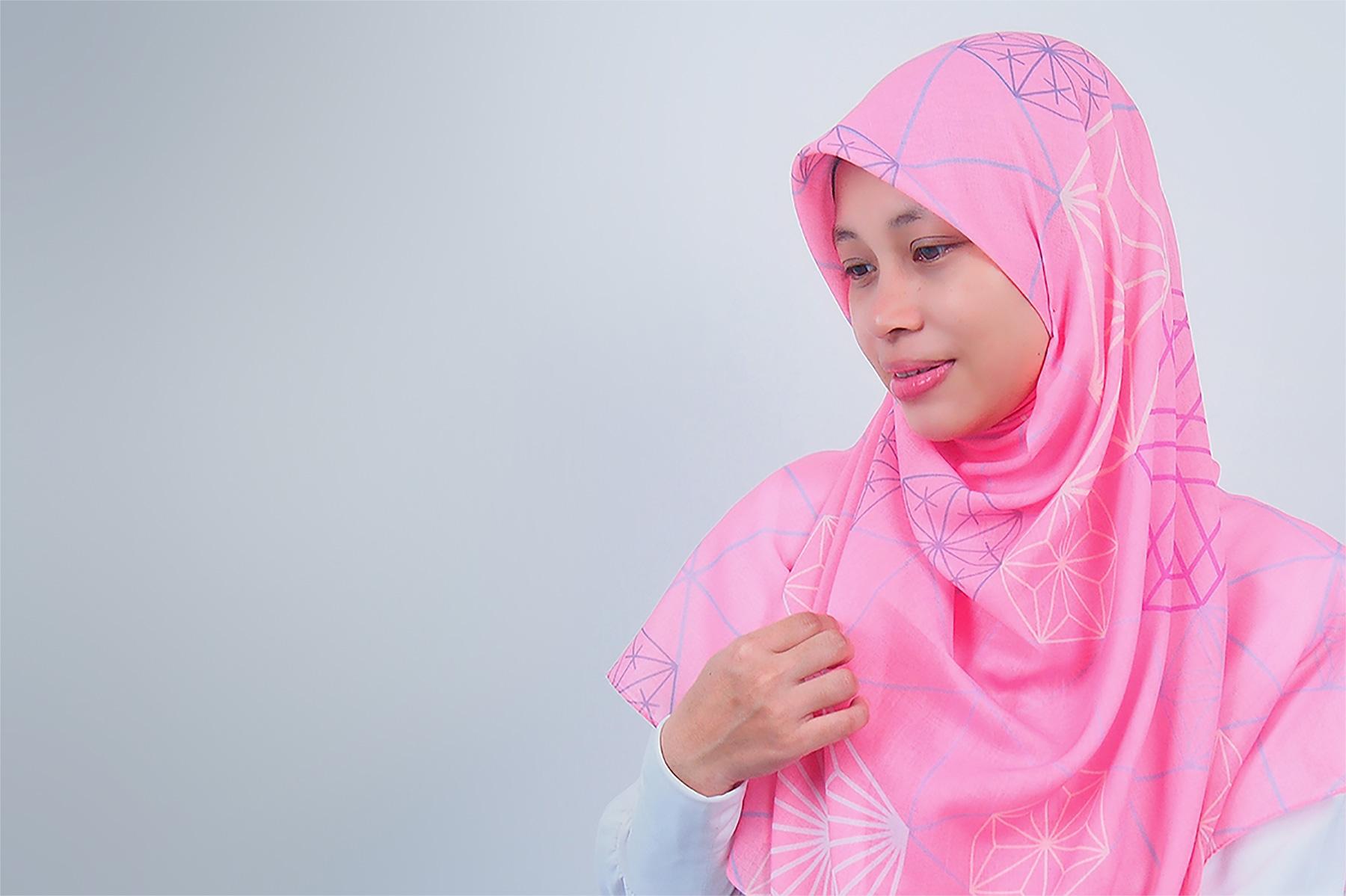Tudung Bawal Labuh Bidang 50 Cotton Turki Chizue Series Slider | AnnurNida